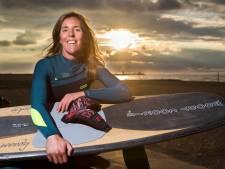 Vlissingse kitesurfster Roose woont in Scheveningen: 'Surfers leven deels voor extreem weer'