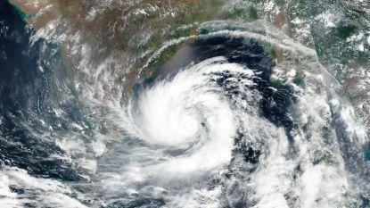 India en Bangladesh zetten zich schrap voor krachtigste cycloon ooit in de regio
