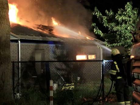 Brand in schuur aan Hagelkruisweg in Deurne