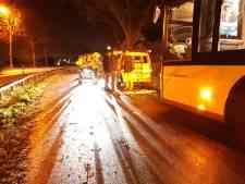 Gewonde bij aanrijding Syntus-bus en busje in Woudenberg