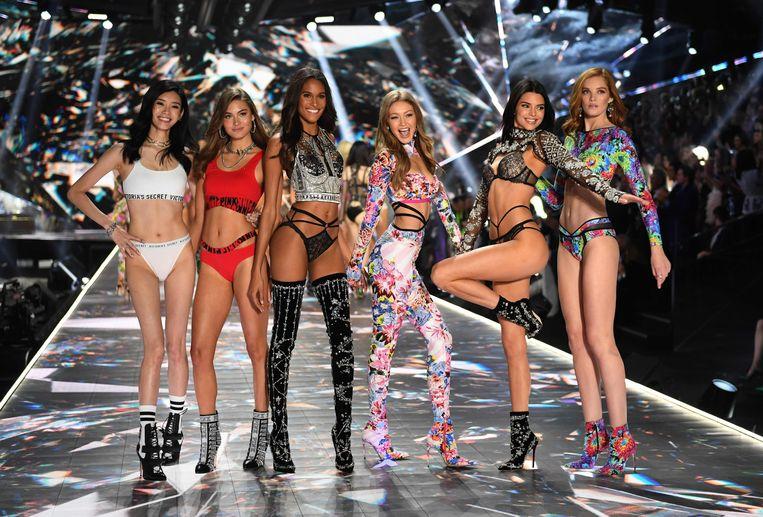 Ming Xi, Grace Elizabeth, Cindy Bruna, Gigi Hadid, Kendall Jenner en Alexina Graham zijn vaste waarden voor Victoria's Secret.