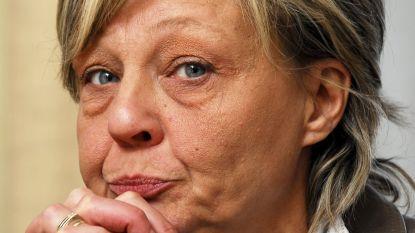 """""""Wij blijven maar gepest worden, ik ben de wanhoop nabij"""": moeder van Mélissa reageert op 'verzoeningsbrief' Dutroux"""
