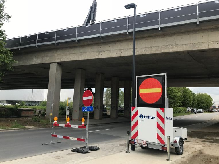 Aan de Tragel mag je niet meer richting de Zwarte Hoekbrug en de Denderstraat rijden.