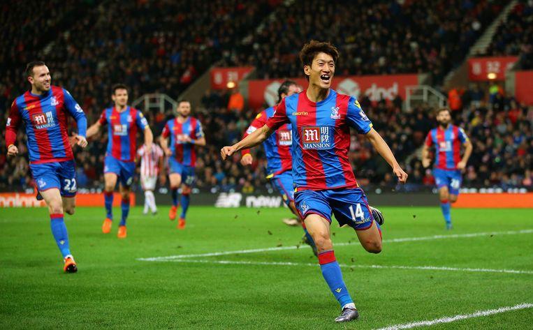 Lee Chung-yong viert zijn doelpunt voor Crystal Palace. Beeld getty