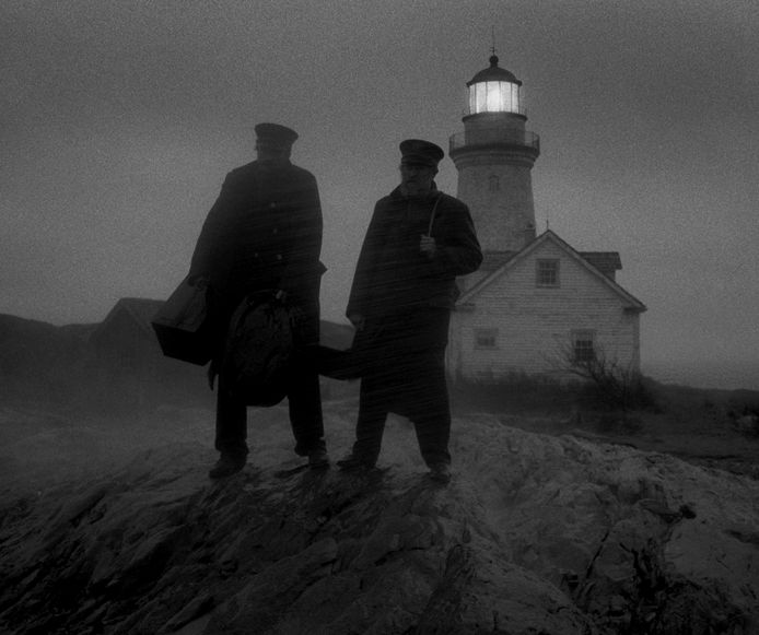 William Dafoe and Robert Pattinson in de film The Lighthouse.
