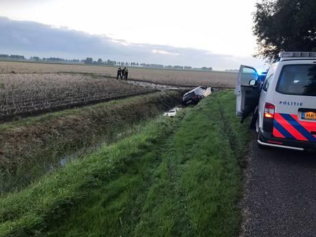 Automobilist belandt na wilde achtervolging in sloot Zierikzee