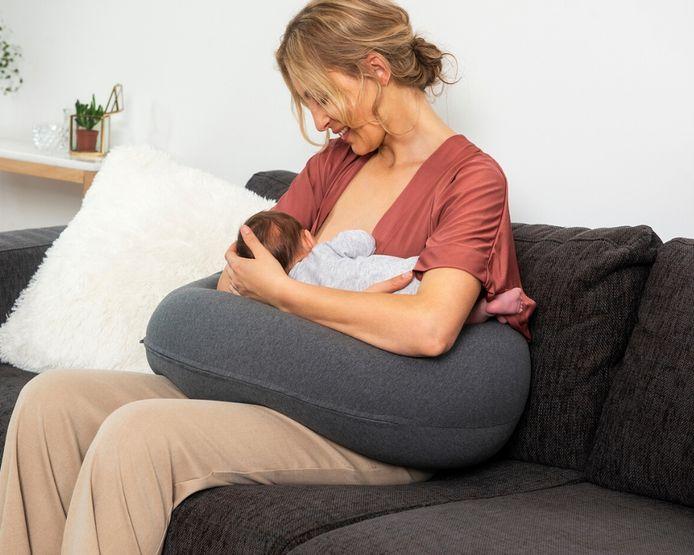 Le coussin d'allaitement ou de grossesse est le best-seller de la marque.