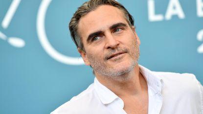 """Joaquin Phoenix: """"Ik dank mijn acteercarrière aan mijn overleden broer River"""""""