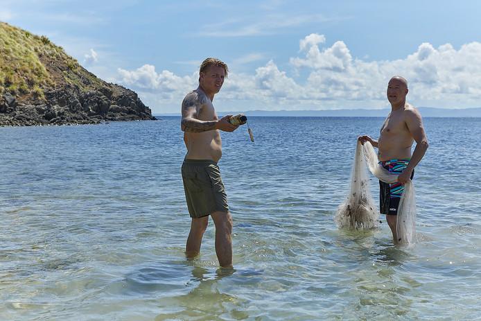 Tim Coronel tijdens Expeditie Robinson met Thomas Berge