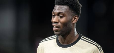 Ajax-target Fosu-Mensah tekent bij Leverkusen van trainer Bosz