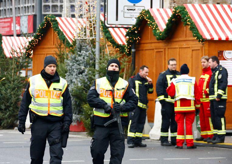 Duitse agenten op de kerstmarkt in Berlijn (Illustratiebeeld).