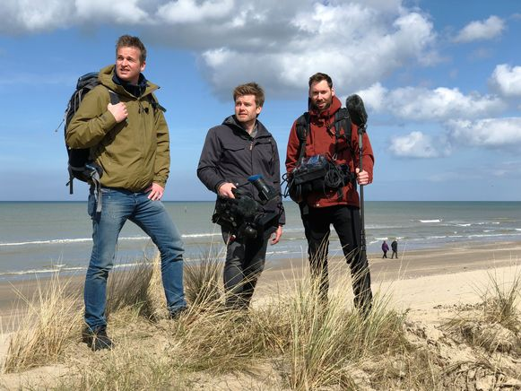 De Belgische documentairemaker Arnout Hauben trekt in gezelschap van cameraman Phlippe Niclaes en geluidsman Ruben Callens langs de kusten van de Noordzee, met 575.000 vierkante kilometer het grootste natuurgebied van Europa.