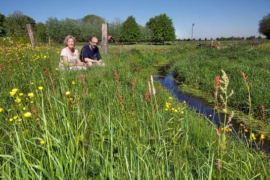 Maaike Riemslag en Will van Riel van natuur- en landschapsvereniging Gilze en Rijen.