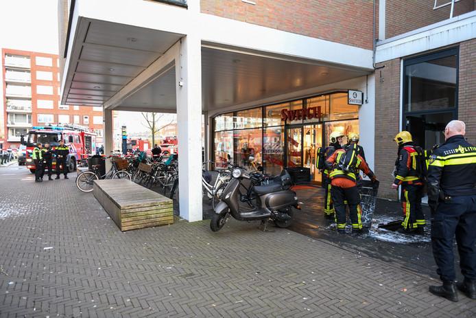Brand in winkelcentrum Alphen.