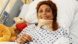 """Vrouw die zes dagen overleefde in autowrak leert weer stappen: """"Het doet deugd om vooruitgang te zien"""""""