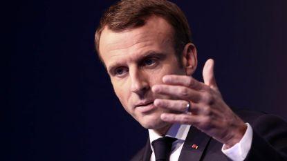 Macron geeft toe aan druk gele hesjes en wil accijnsverhoging uitstellen tot 2020