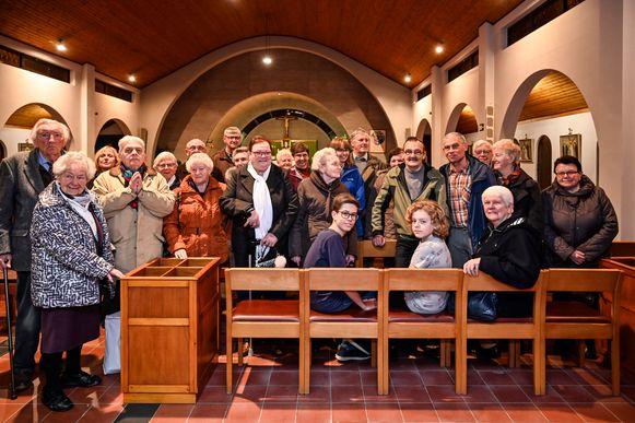 Parochianen van den Briel tekenden een petitie voor het behoud van hun kerk.