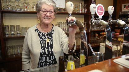 Juliette (83) staat al 50 jaar achter de toog van café Hul in Destelbergen