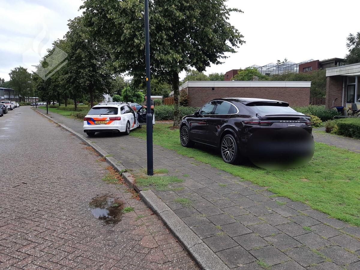 De Porsche werd in Apeldoorn opgespoord.