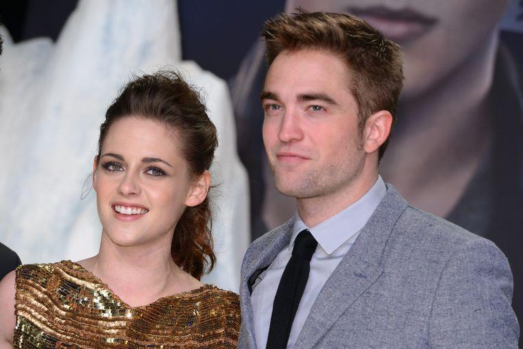 Volgens Kristen Stewart is er niemand méér geknipt voor de rol van superheld Batman dan haar vroegere 'Twilight'-collega Robert Pattinson.