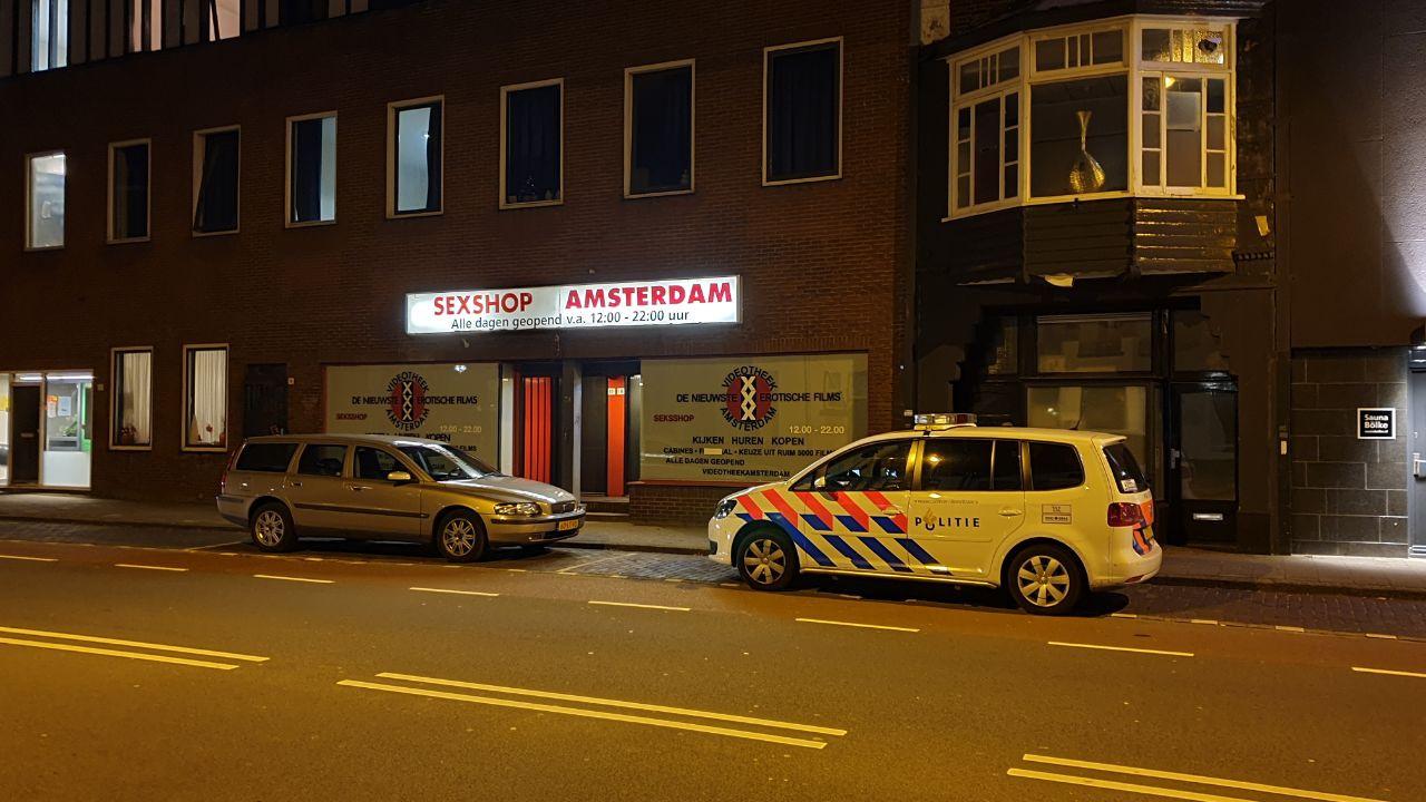 Politie bij Sexshop Amsterdam aan de Molenstraat