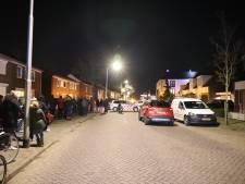 Verwarde man vlucht naar zijn dak als politie bij hem aanbelt in Vlijmen, na uren keert hij terug naar huis
