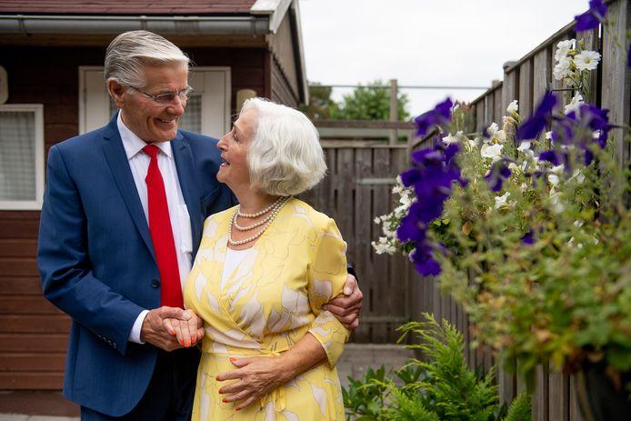 Het echtpaar Hop-Aalten is 60 jaar getrouwd.