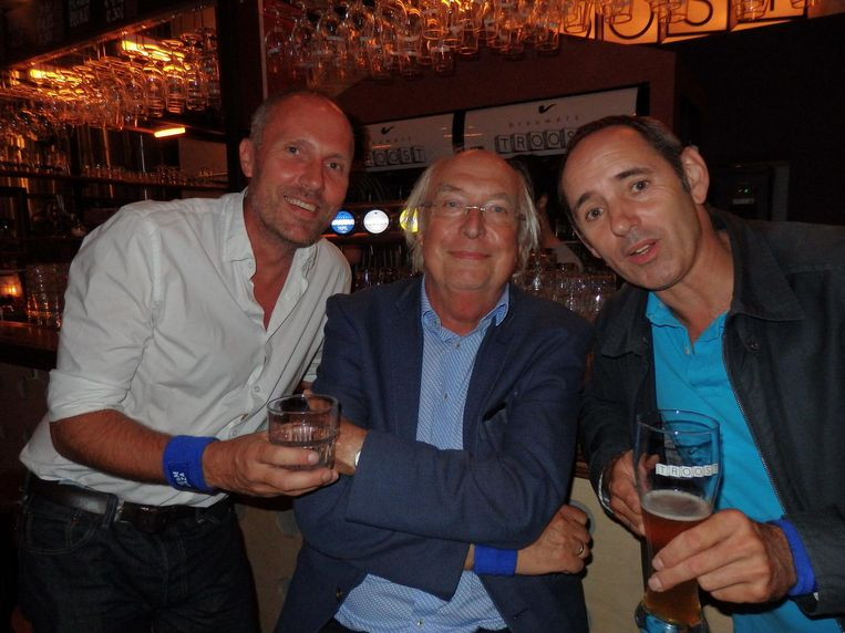 Journalist Ad van Liempt (m) gaf bescheiden advies. Naast hem Rob Bruins Slot (l) en Hasan Evrengün, beiden van Andere tijden Beeld Schuim