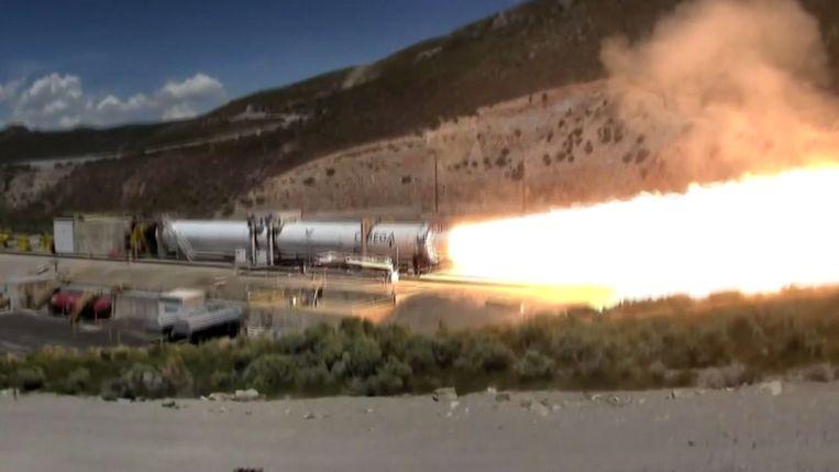 Explosie bij eerste test van raket OmegA.