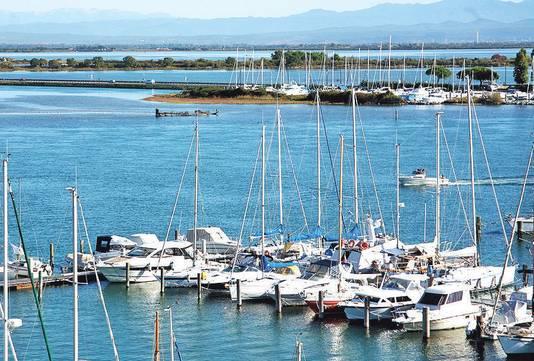 De haven van Grado, dat net als Venetië in een lagune ligt.