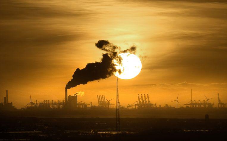 Kolencentrale op de Maasvlakte. Beeld Hollandse Hoogte / Berlinda van Dam