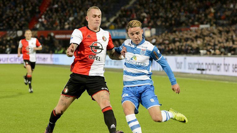 Calvin Verdonk (rechts) wordt door Feyenoord verhuurd aan PEC Zwolle. Beeld anp