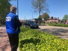 Een indrukwekkende erehaag en ereronde voor Juliana-clubman Theo Bloemen