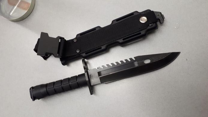 Een in beslag genomen mes.