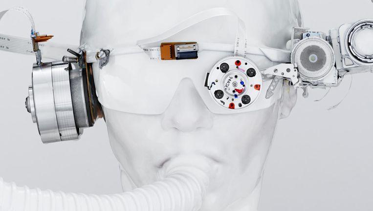 Al die slimme apparaten vormen evenzovele uitnodigingen voor digitale insluipers. Beeld Rein Janssen