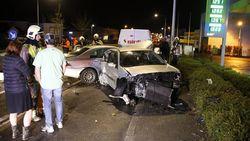 Bestuurder onder invloed richt ravage aan met splinternieuwe, dure BMW: zeven wagens beschadigd, meer dan 100.000 euro schade