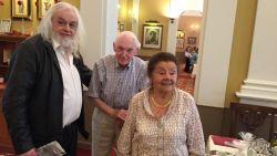 """Jean-Pierre Van Rossem verzoent zich met zwaar zieke vader (96): """"63 jaar ruzie om een konijn. Dat vergeef ik mezelf nooit"""""""