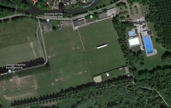Sportpark FC Axel aan de Sportlaan bij Axel.