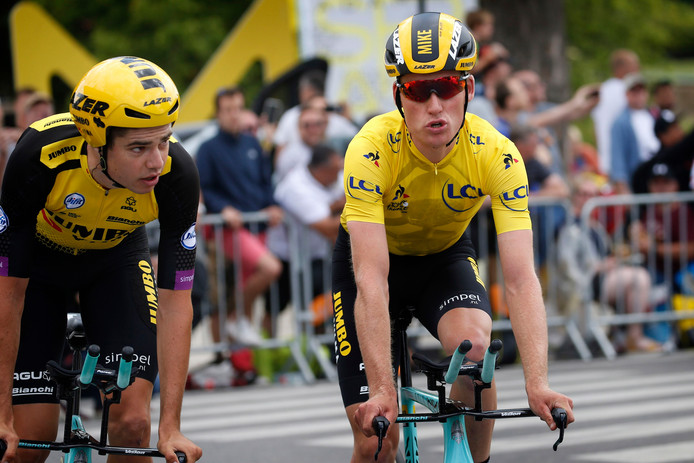 Wout Van Aert et le maillot jaune Mike Teunissen  (Jumbo-Visma).