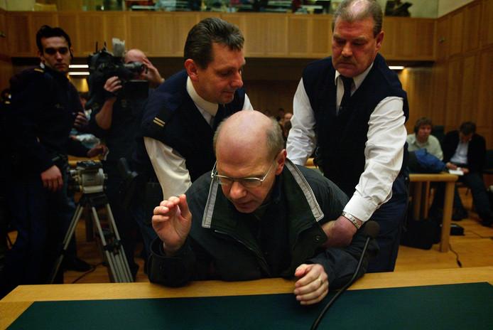 Het beeld dat de wereld overging: Louwes wordt in hoger beroep tot 12 jaar cel veroordeeld.