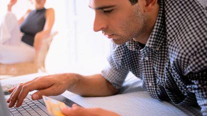 Klanten beheren hun bankkaarten steeds meer online