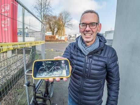 Gedupeerden Shurgardbrand geschokt hoe grote grijpers hun spullen in containers gooien