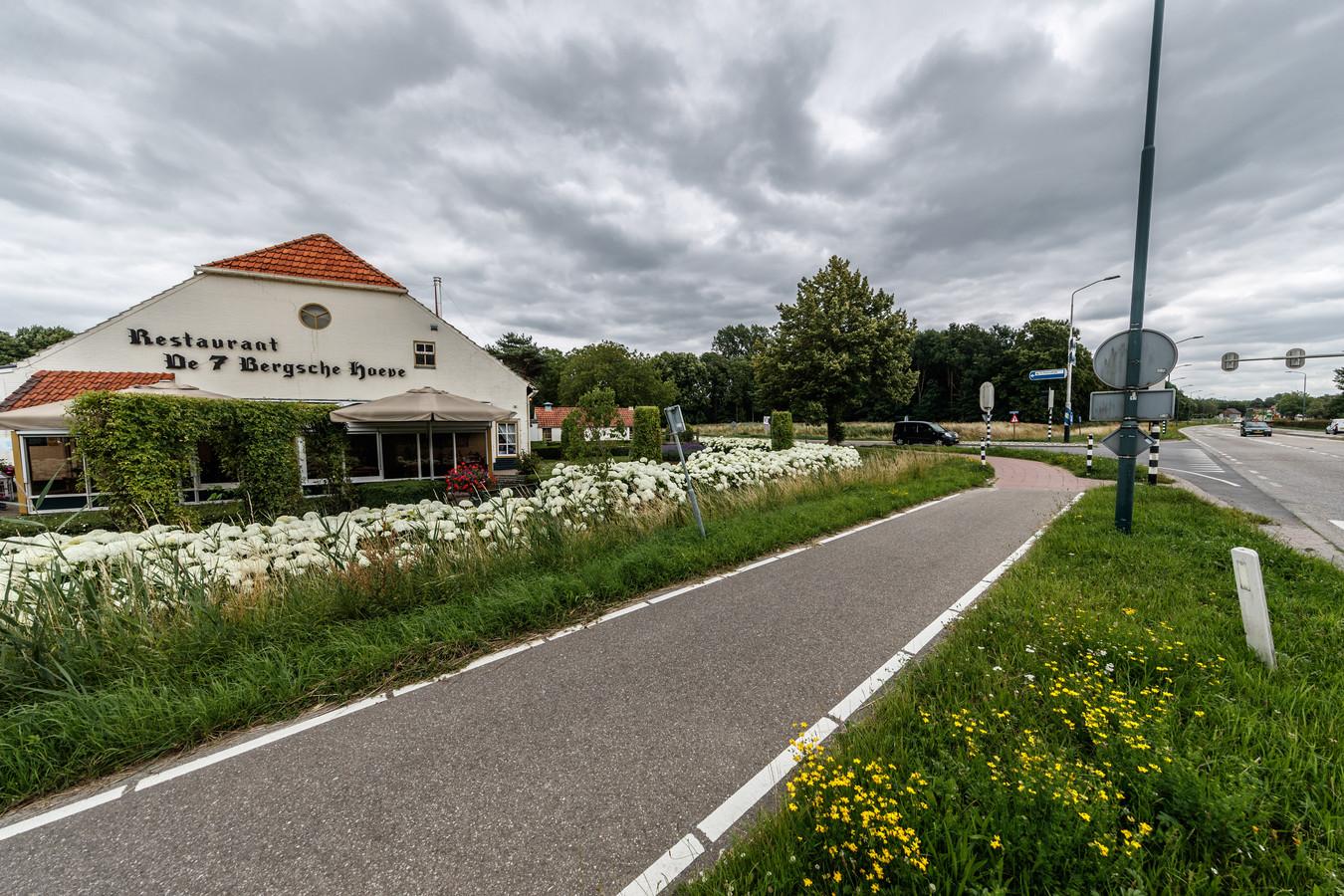 De 7 Bergsche Hoeve is verkocht aan dezelfde ontwikkelaar die aan de overkant het bloedlab bouwt. Op de plaats van het restaurant komen appartementen.