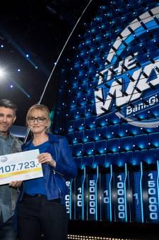 Westlander wint ruim een ton in spelshow 'The Wall' voor ziek neefje