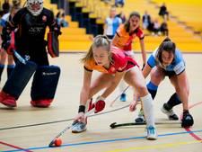 Hockeysters Oranje-Rood beginnen met 2 zeges aan zaalseizoen