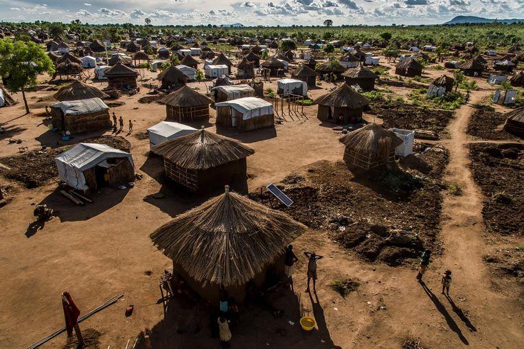 In Bidi Bidi krijgen vluchtelingen uit Zuid-Soedan een eigen stukje grond van Oeganda om een hutje op te bouwen. Beeld Frederic Noy
