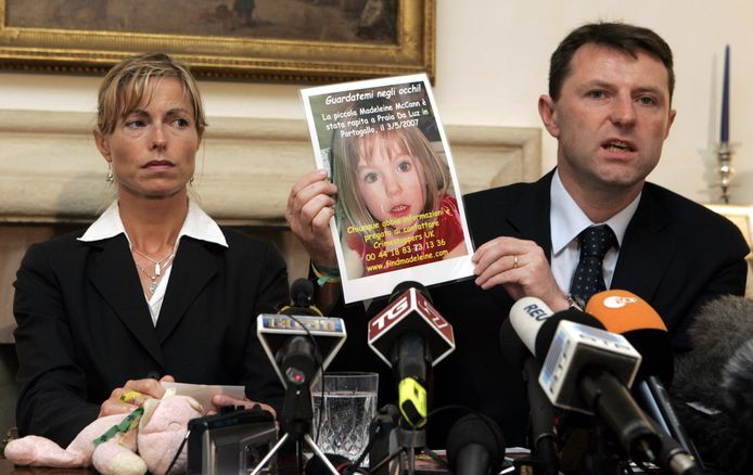 De ouders van Maddie vragen de hulp van het publiek bij hun zoektocht in mei 2007, vlak na de verdwijning van hun dochter.
