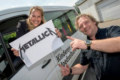 Kinderen van de Voedselbank uit Dodewaard krijgt kwart ton van Metallica