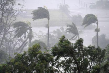 Verwoestende orkaan Debbie houdt zelfs Australische hulpdiensten binnen