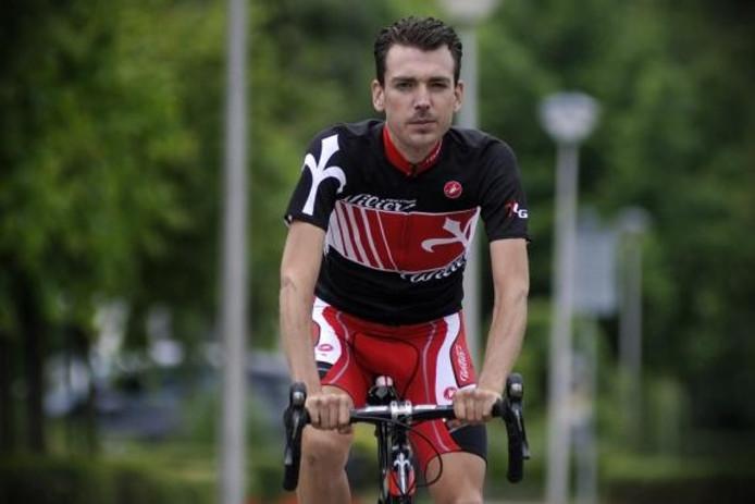 Jan van der Sande viel 38 kilo af: 'Vijf jaar geleden had ik nog nooit op een wielrenfiets gezeten.' foto Peter van Trijen/het fotoburo